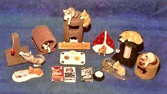 dollhouse cats and cat accessories
